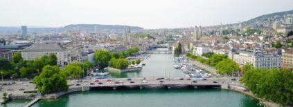 ciudad de Zurich desde un drone
